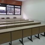 Aulas completamente vacías en la Facultad de Filosofía de la Universidad de Salamanca durante la jornada del 14 de marzo